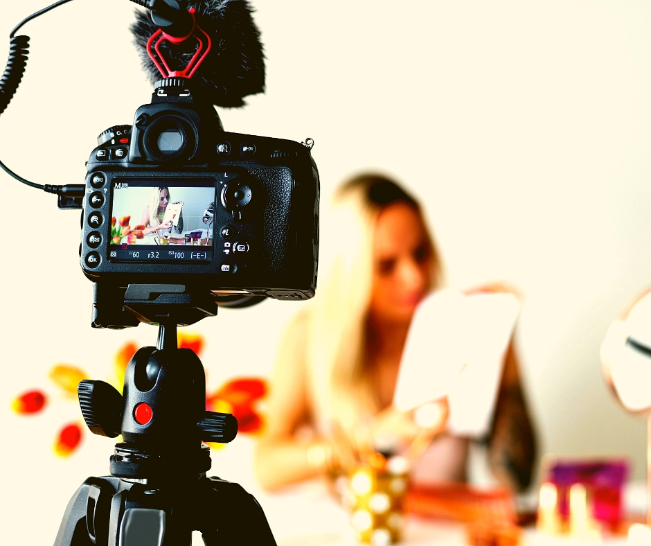 5 Big Benefits Of Starting A Vlog For Your Business